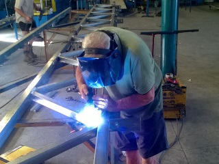 Welding a beam for a large span
